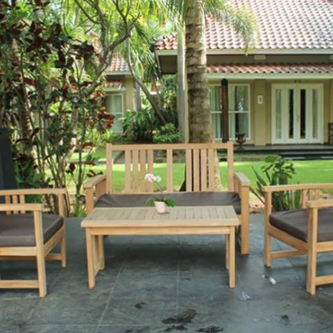 פינת ישיבה מעץ לגינה