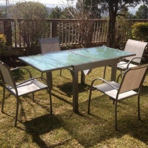 שולחן אלומיניום נפתח 90*90180 כולל 4 כיסאות